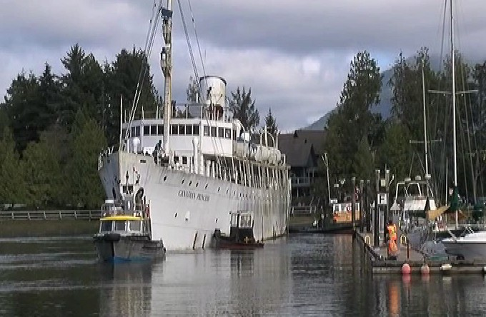 Canadian Princess                                                   Sets Sail One Last                                                   Time